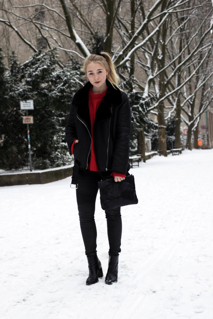 roter-pullover-outfit-berlin-schnee-streetstyle-fashionblog-modeblog_8285