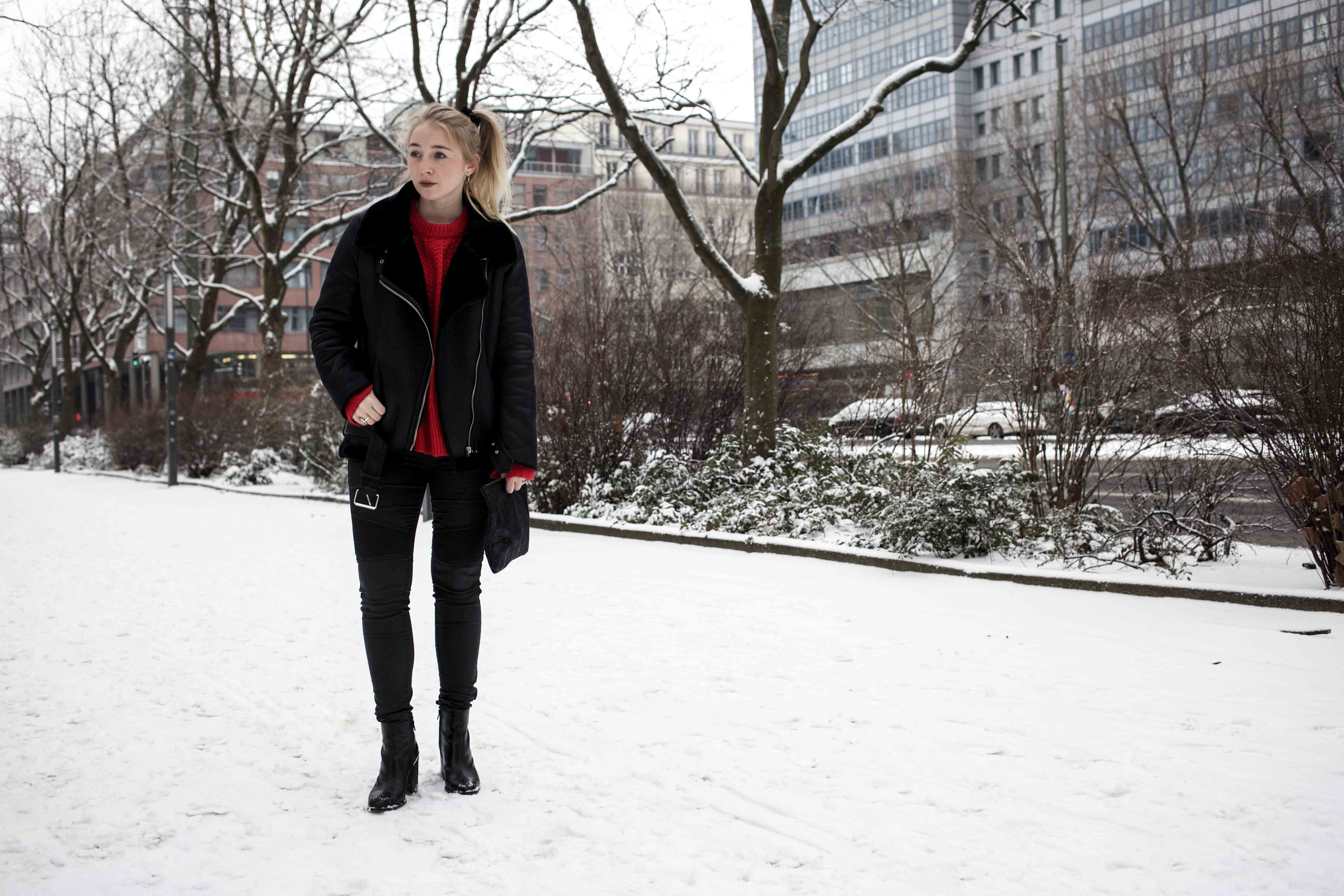 Berlin Streetstyle: Winter-Highlight Roter Pullover | Outift