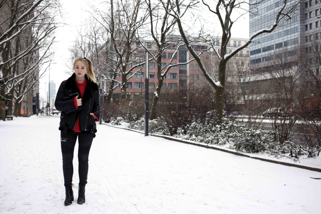 roter-pullover-outfit-berlin-schnee-streetstyle-fashionblog-modeblog_8319