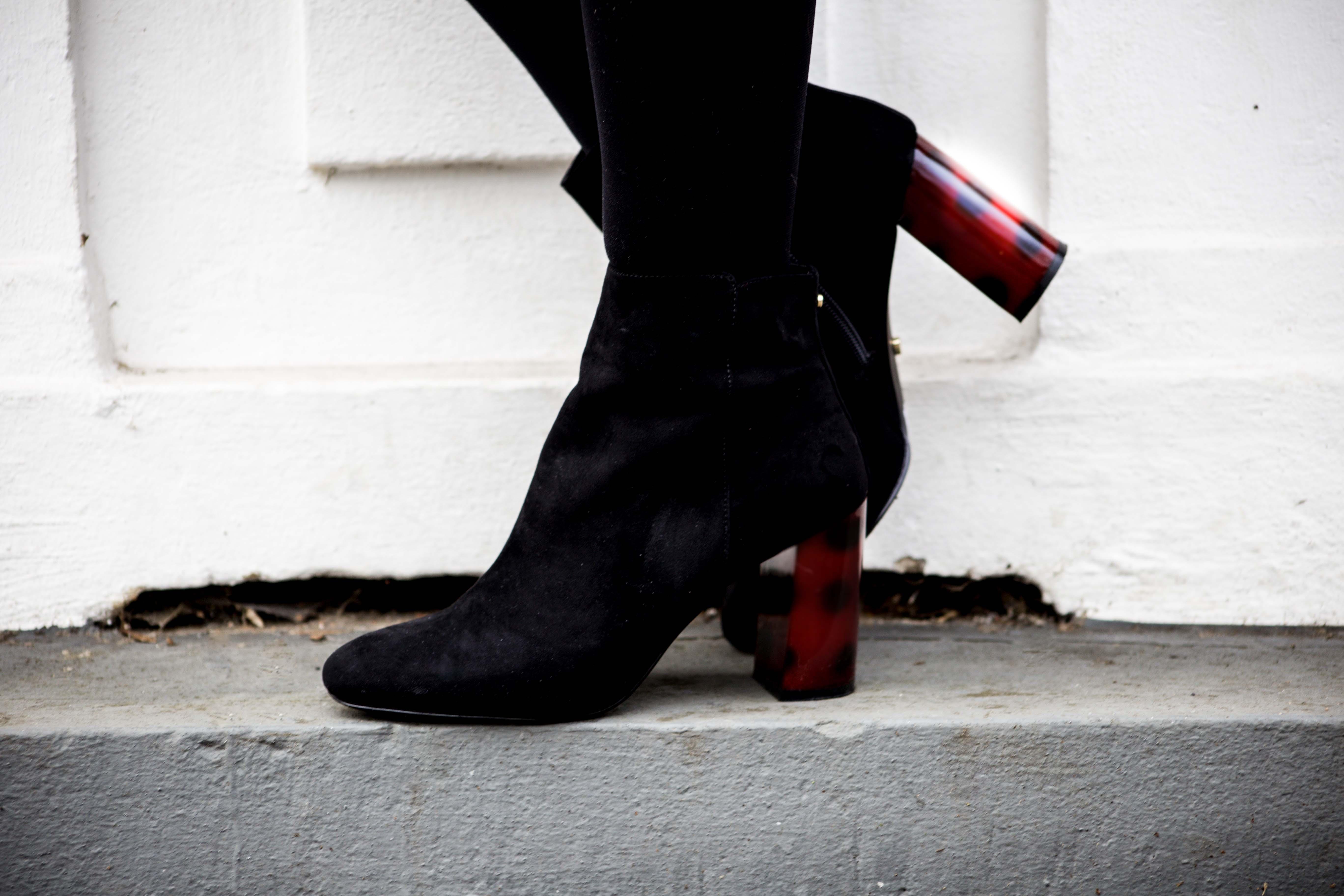 streetstyle-bonn-waldgrüner-mantel-rock-muster-print-fashionblogger-modeblog-mode-outfit_0135