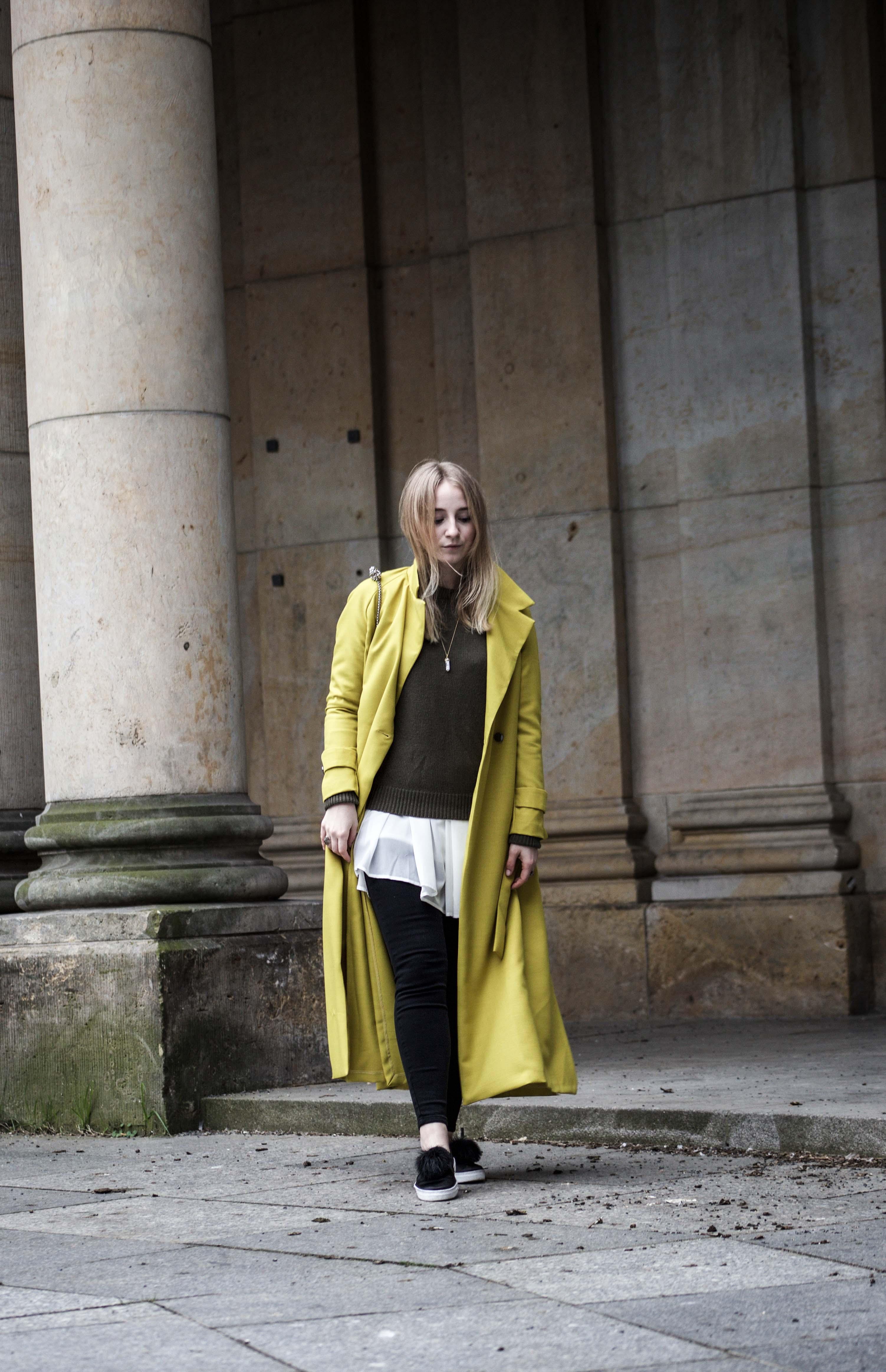 gelber-trenchcoat-frühling-outfit-sommer-fashionblog-modeblog_6266