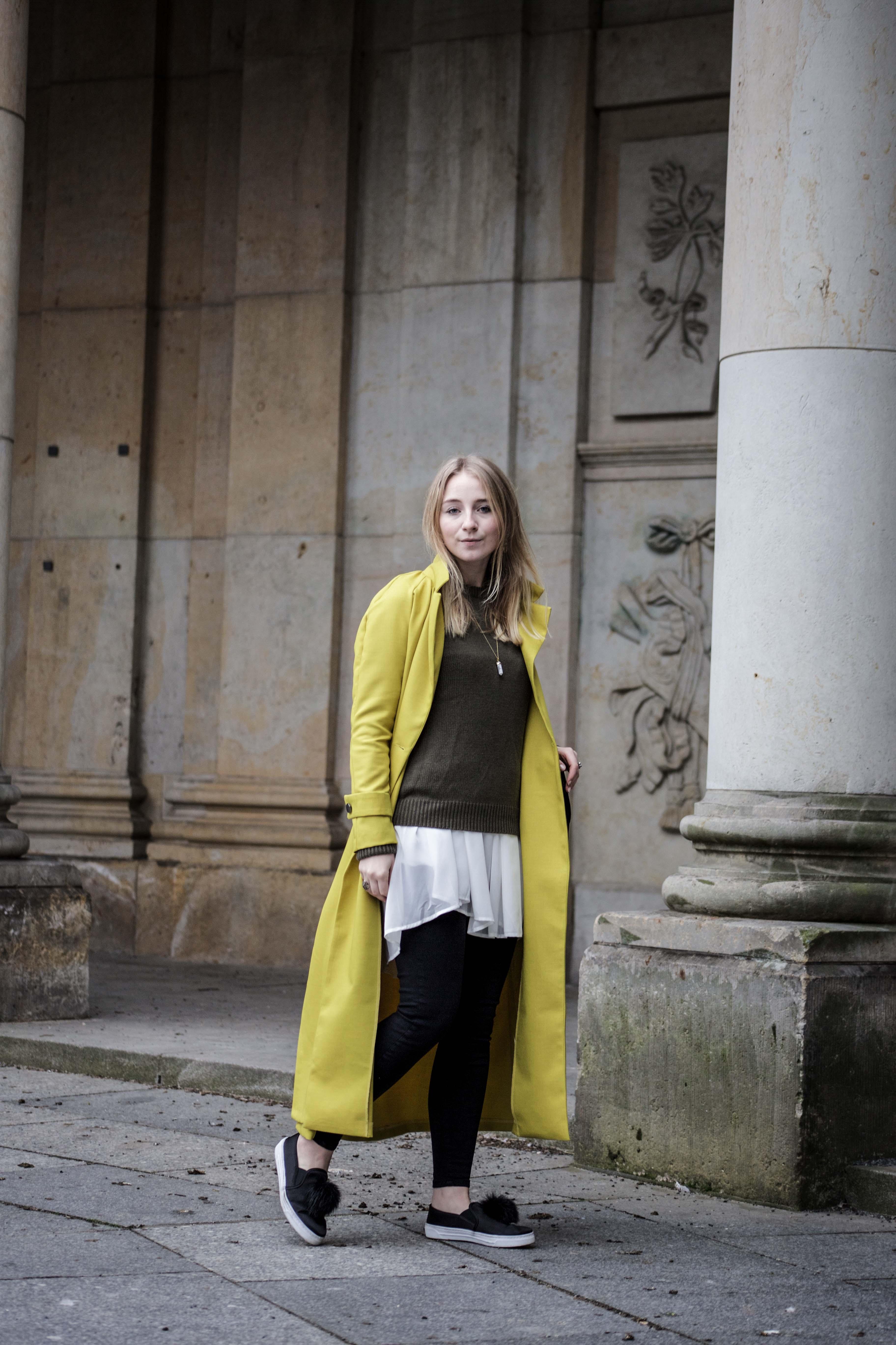 gelber-trenchcoat-frühling-outfit-sommer-fashionblog-modeblog_6344