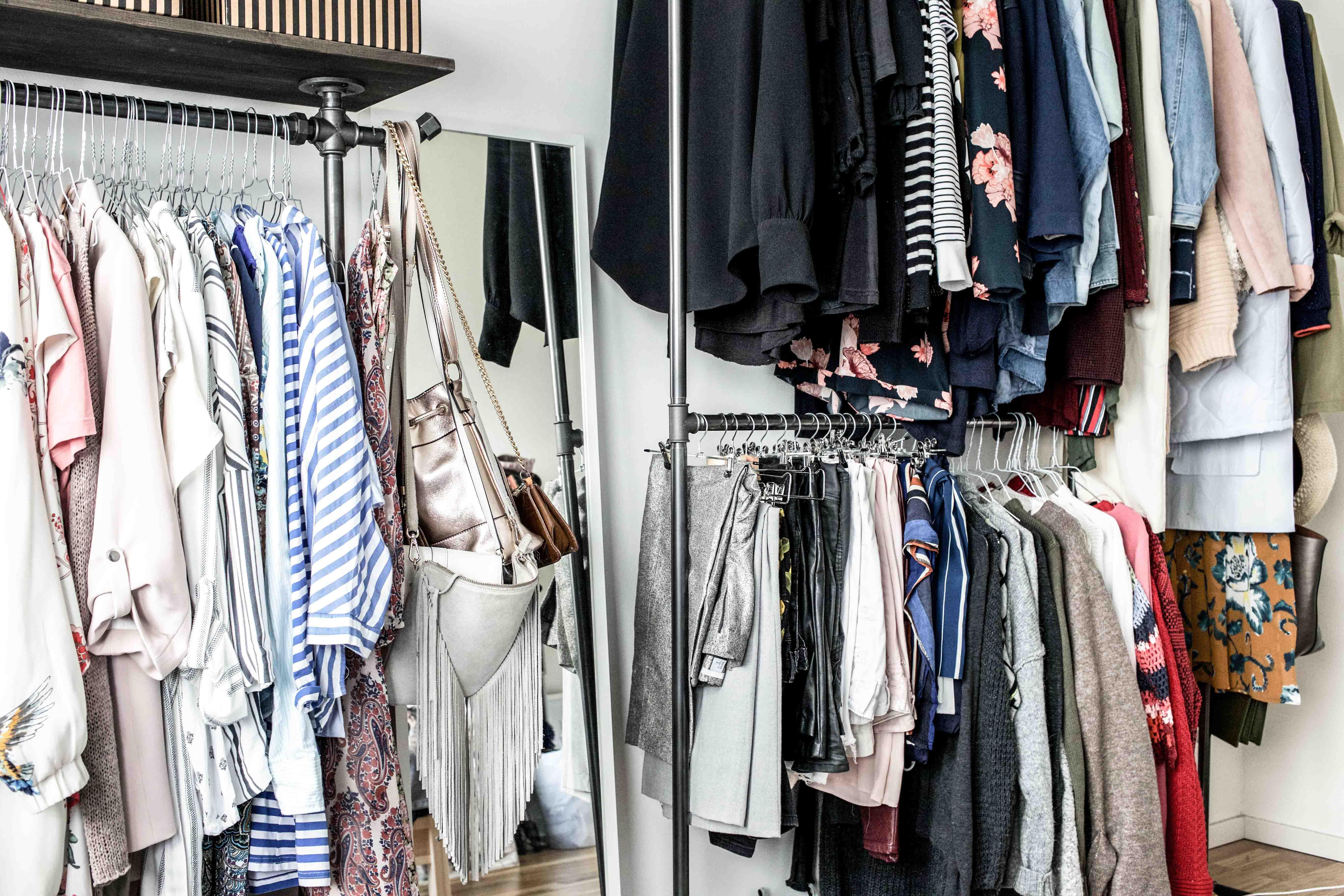 Beliebt Erste Einblicke in mein offenes Kleiderschranksystem | Interior PV97