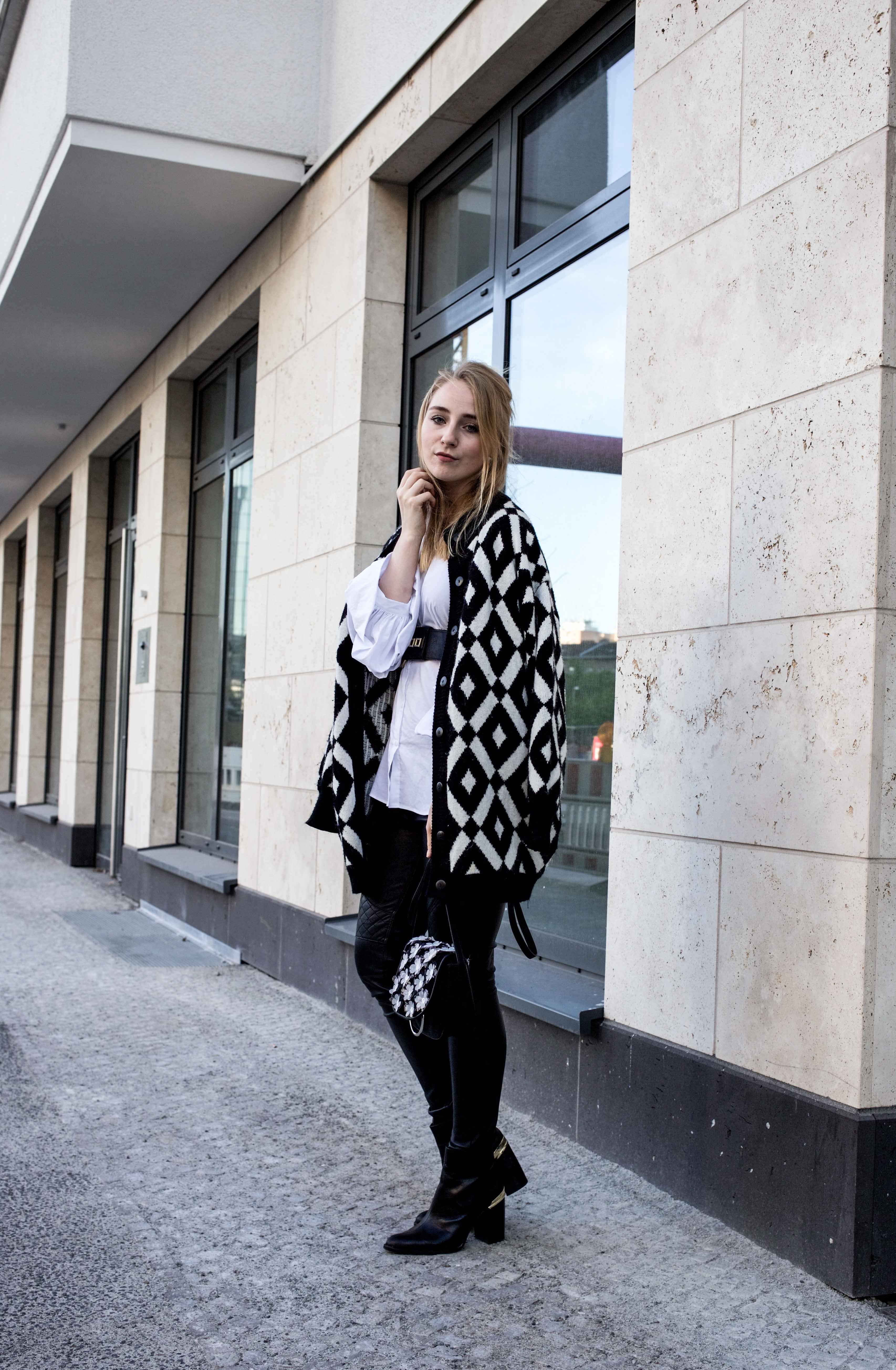 trendreport-weiße-bluse-trompetenärmel-fashionblog-ootd-modeblog-berlin_8762