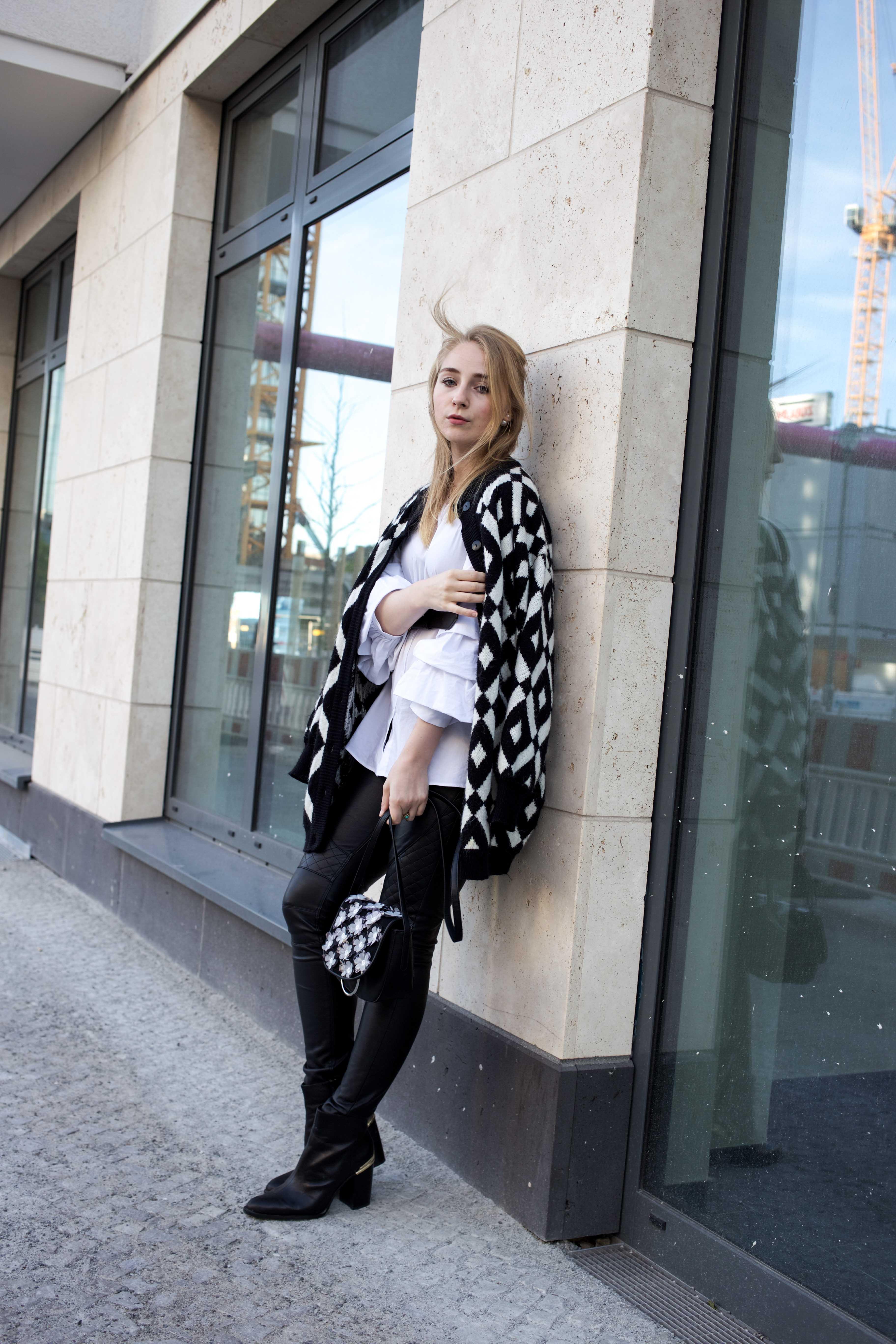 trendreport-weiße-bluse-trompetenärmel-fashionblog-ootd-modeblog-berlin_8766