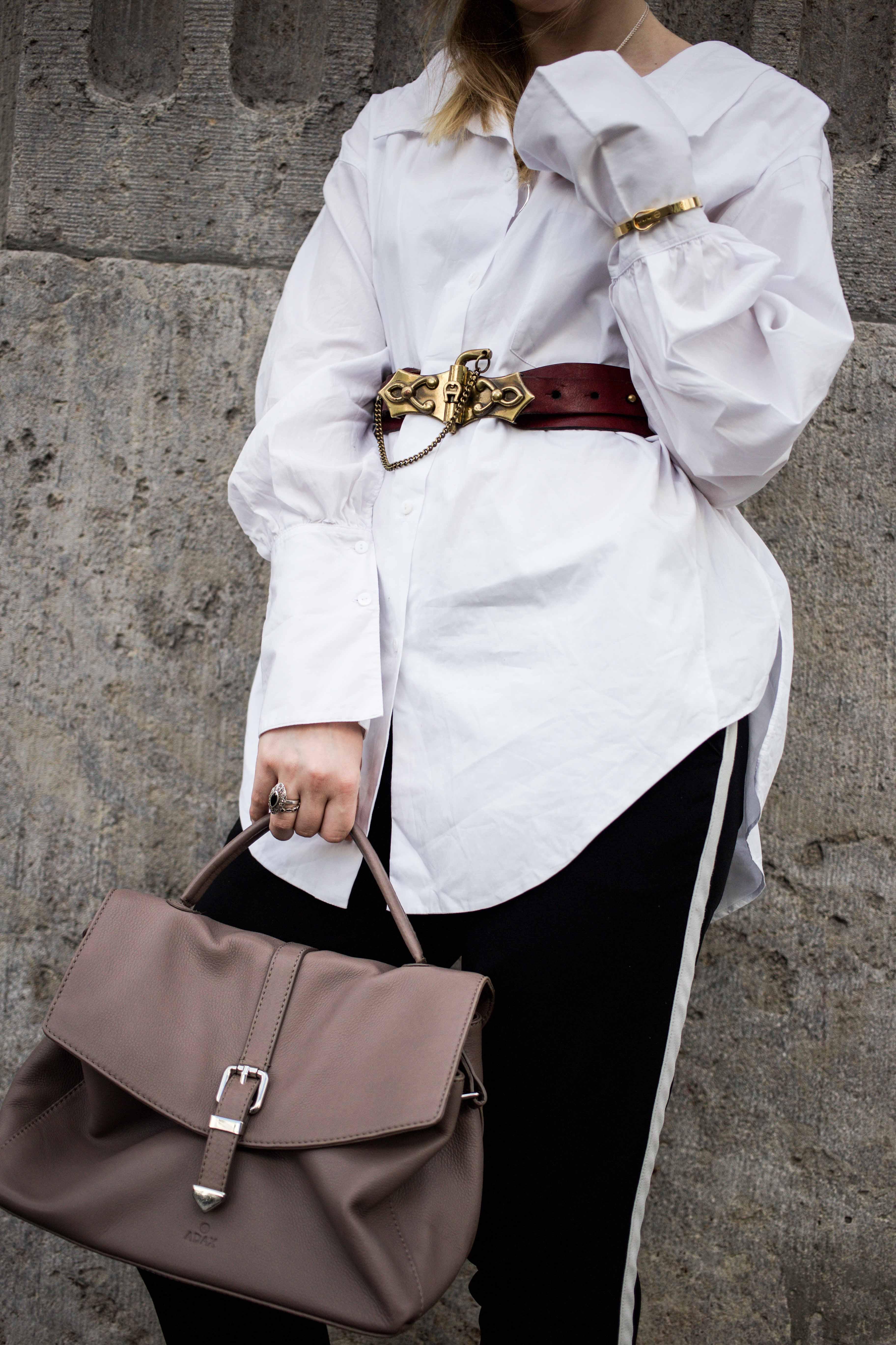 fashionweek-berlin-statement-gürtel-oversized-bluse-outfit-modeblog_6376