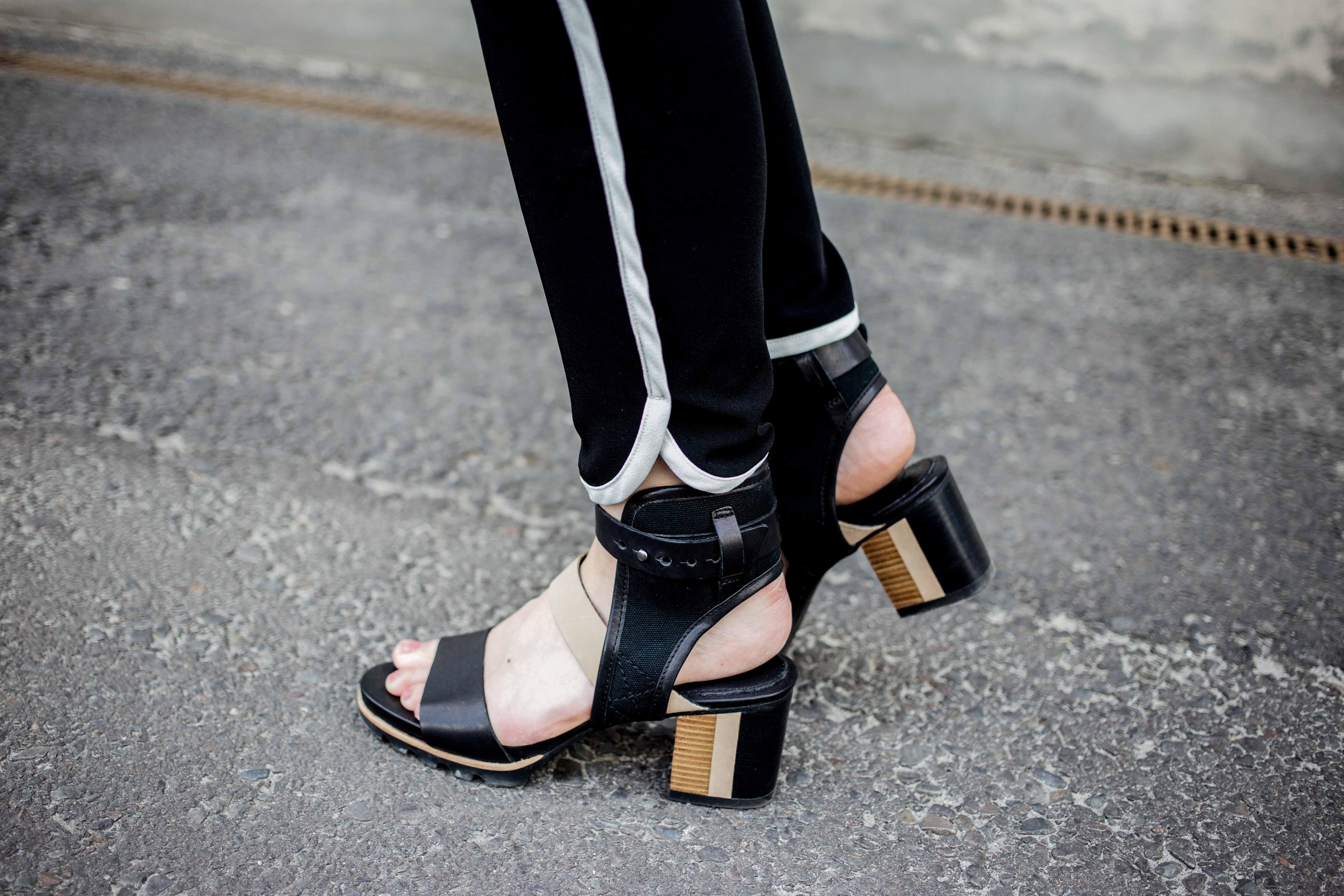 fashionweek-berlin-statement-gürtel-oversized-bluse-outfit-modeblog_6384