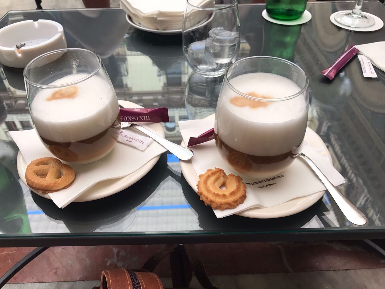 Tipps-Kurztrip-Sevilla-Handgepäck-Guide-Travel-Reiseblog-Reisen-hotel-alfonso-café-6
