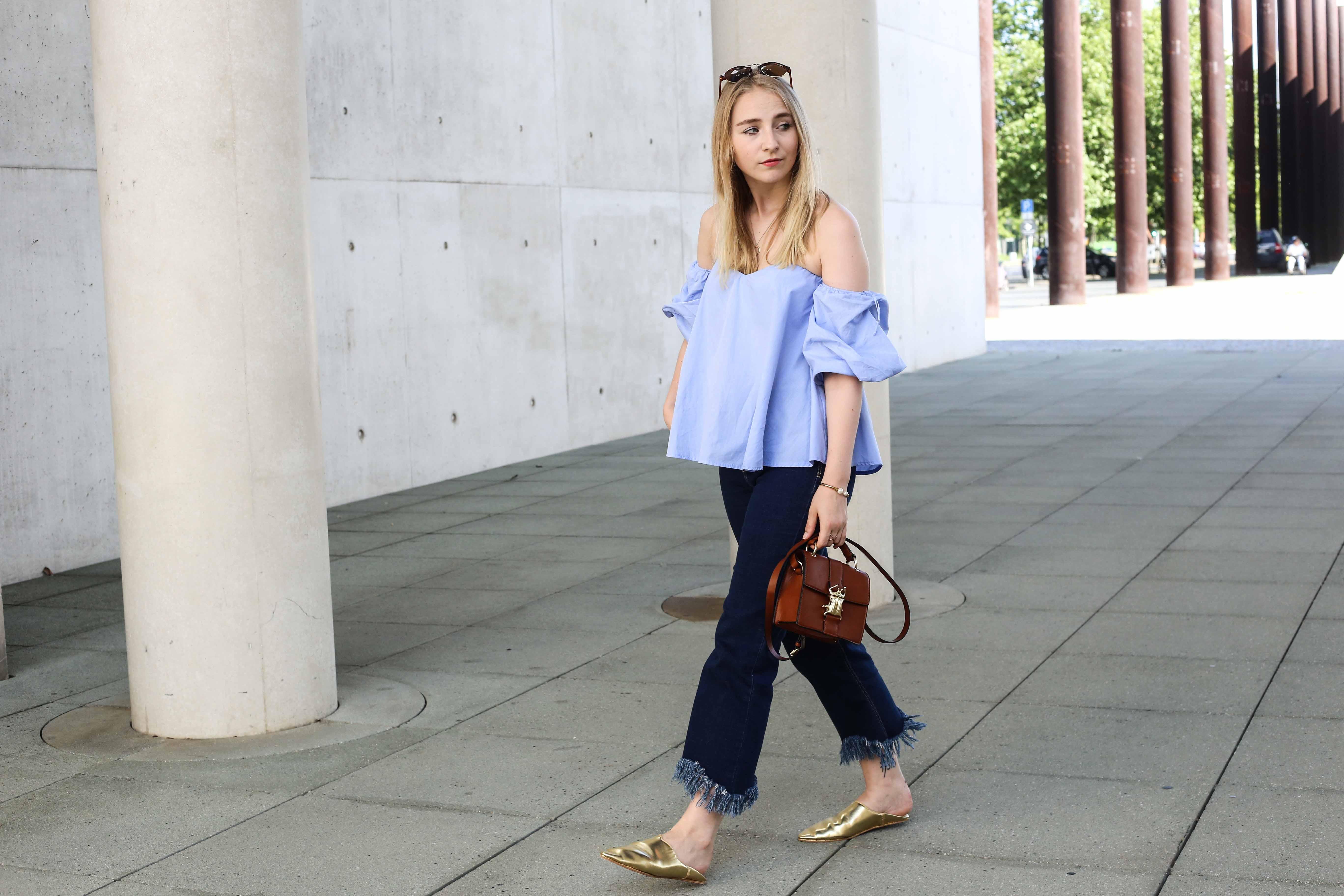 off-shoulder-fransenjeans-outfit-babouches-fashionblogger-modeblog-köln-berlin-modeblogger_7325