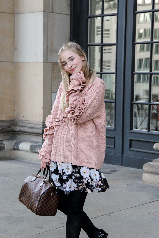 rosa-rüschen-pullover-blumenkleid-schleifen-lack-ballerina-berlin-fashionblog-modeblog-blogger