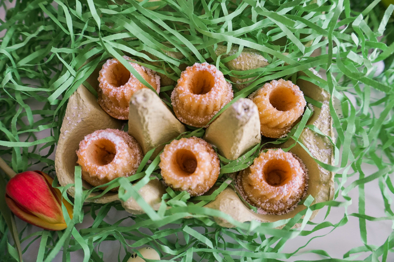 osterrezept-zitronen-mini-gugelhupfs-osternascherei-rezept-essen-ostern-backen-einfach-schnell