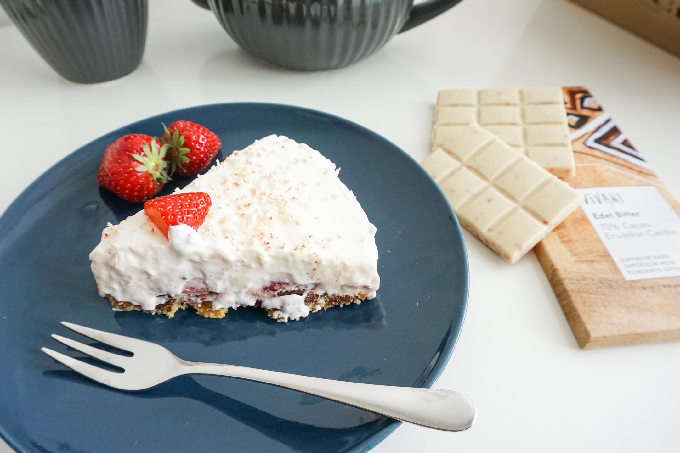 Erdbeer-Frischkäse-Torte-Schokolade-Vivani-Muttertag-Backen-Selbstgemacht-Foodblog-Berlin-Köln-Bonn