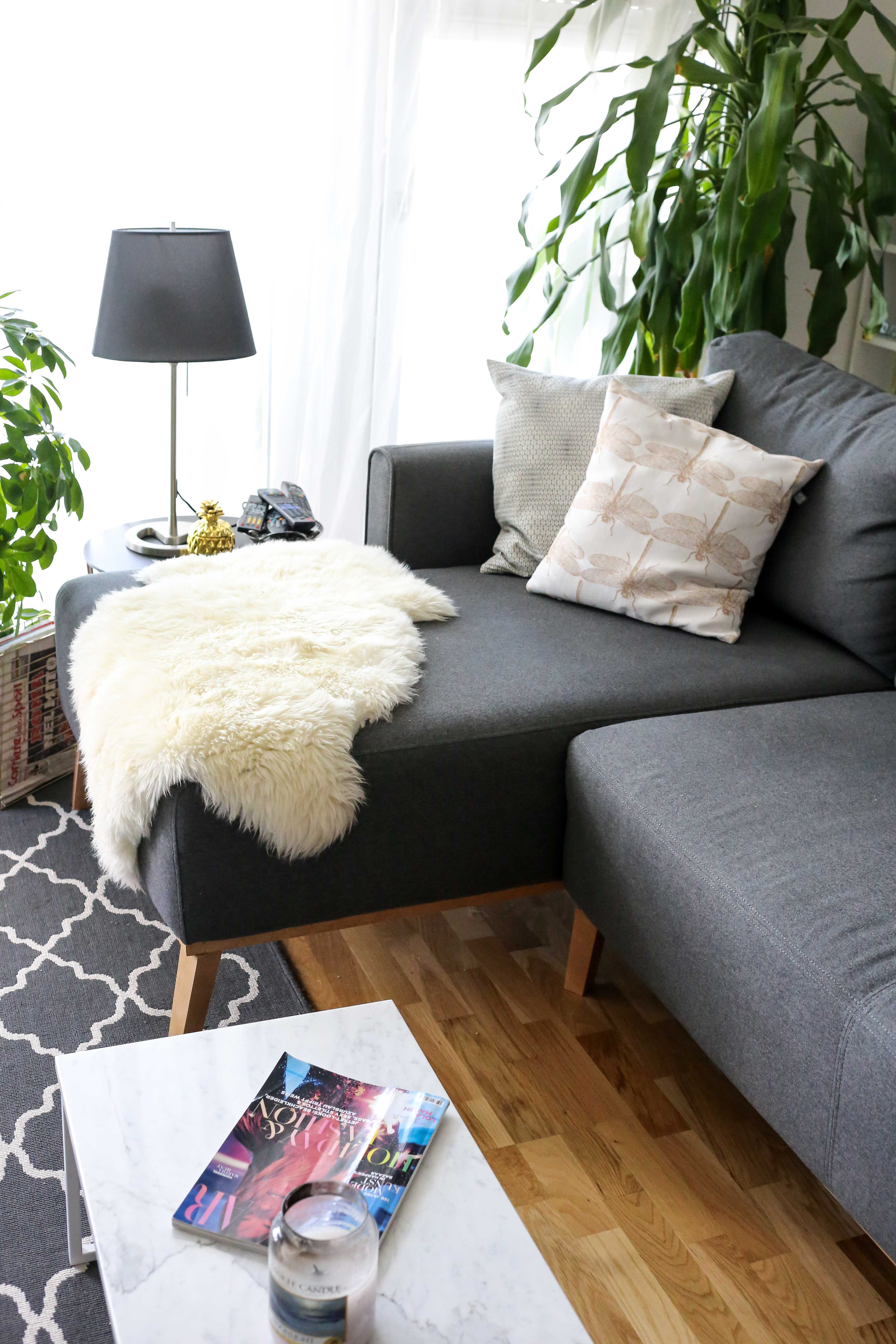 home-story-wohnzimmer-make-over-wayfair-scandi-ecksofa-tv-lowboard-interior