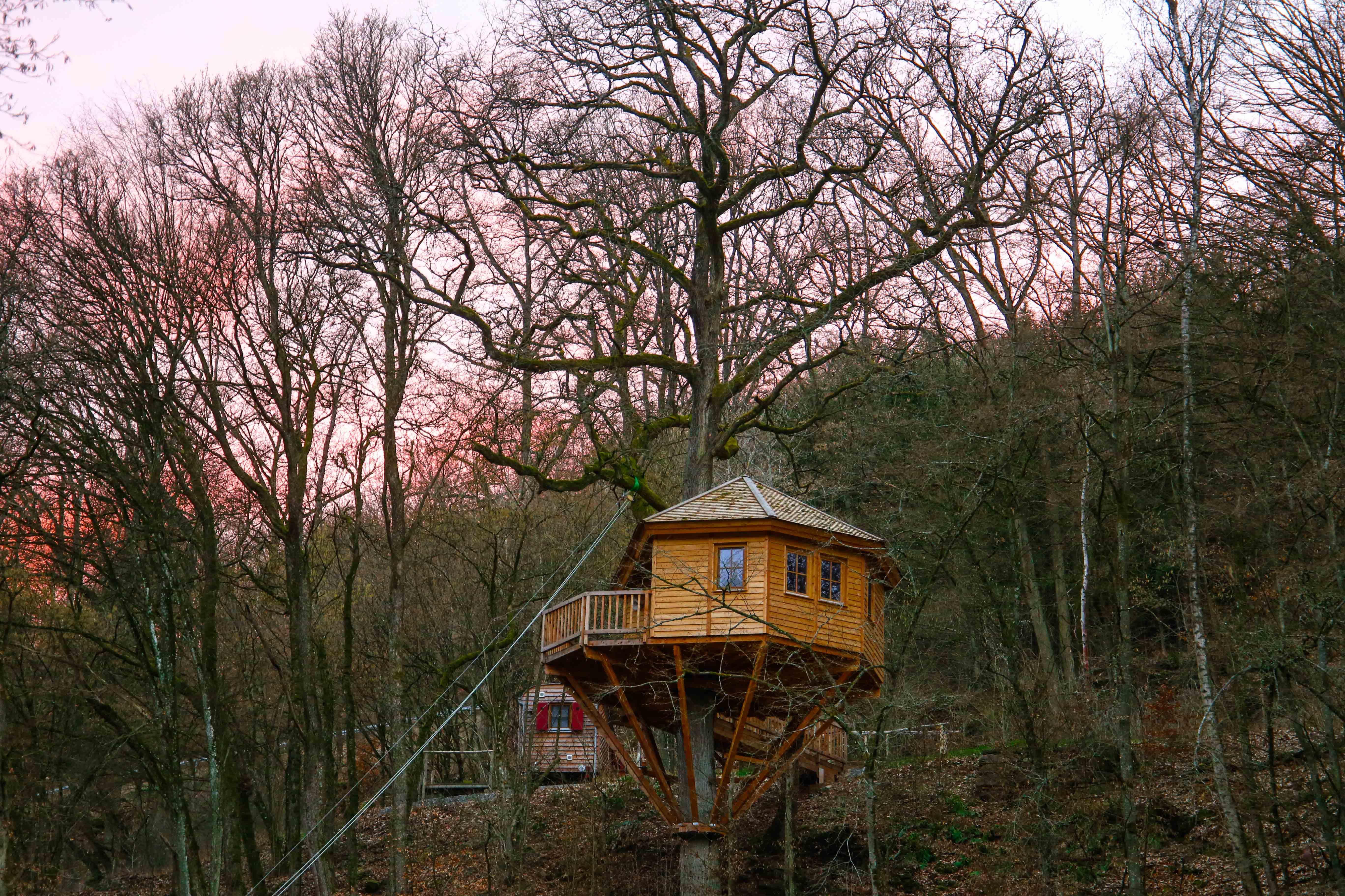 übernachten-im-baumhaushotel-seemühle-deutschland-gräfendorf
