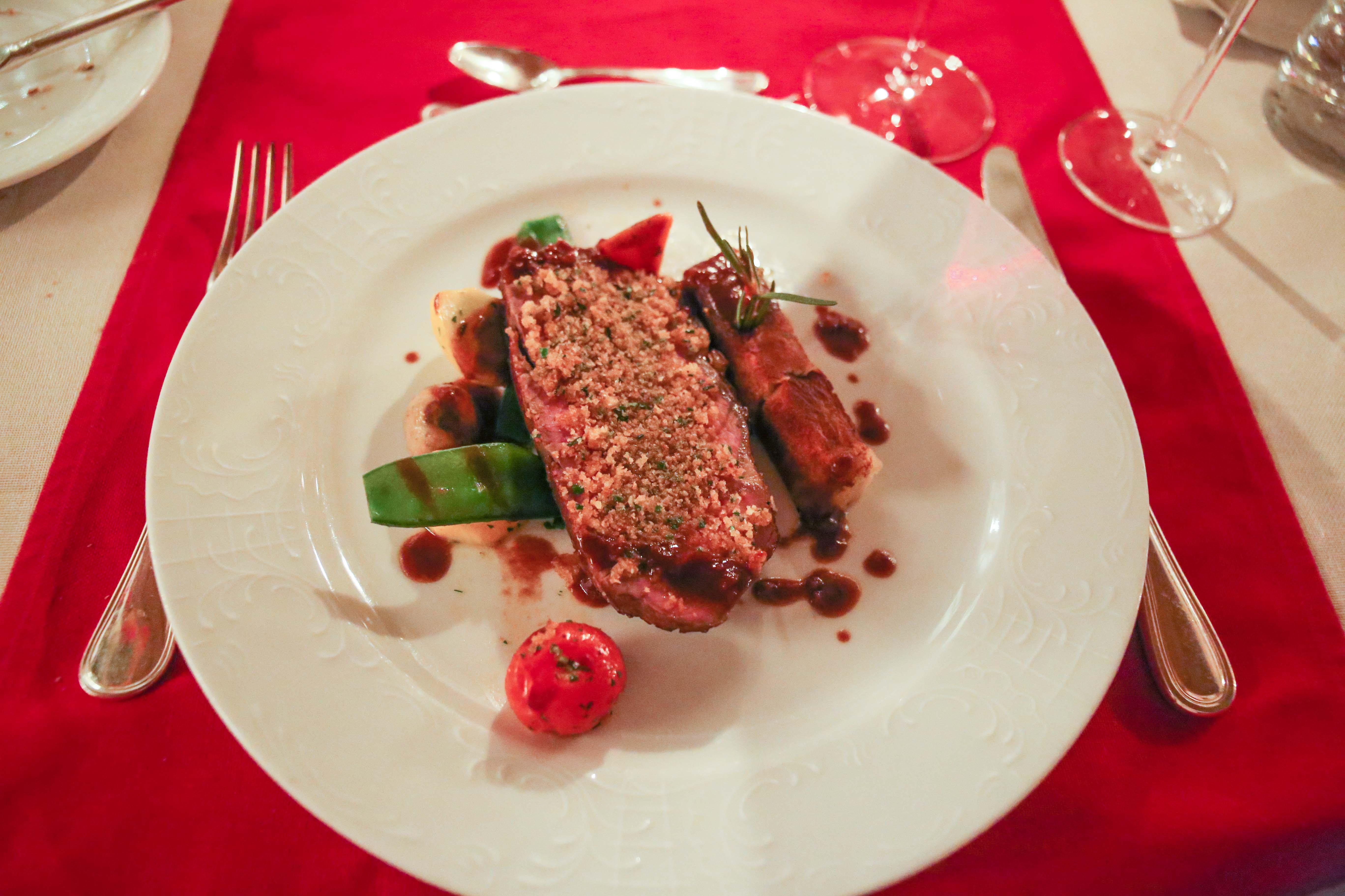 grand-hotel-zell-am-see-restaurant-weinkeller-candle-light-dinner