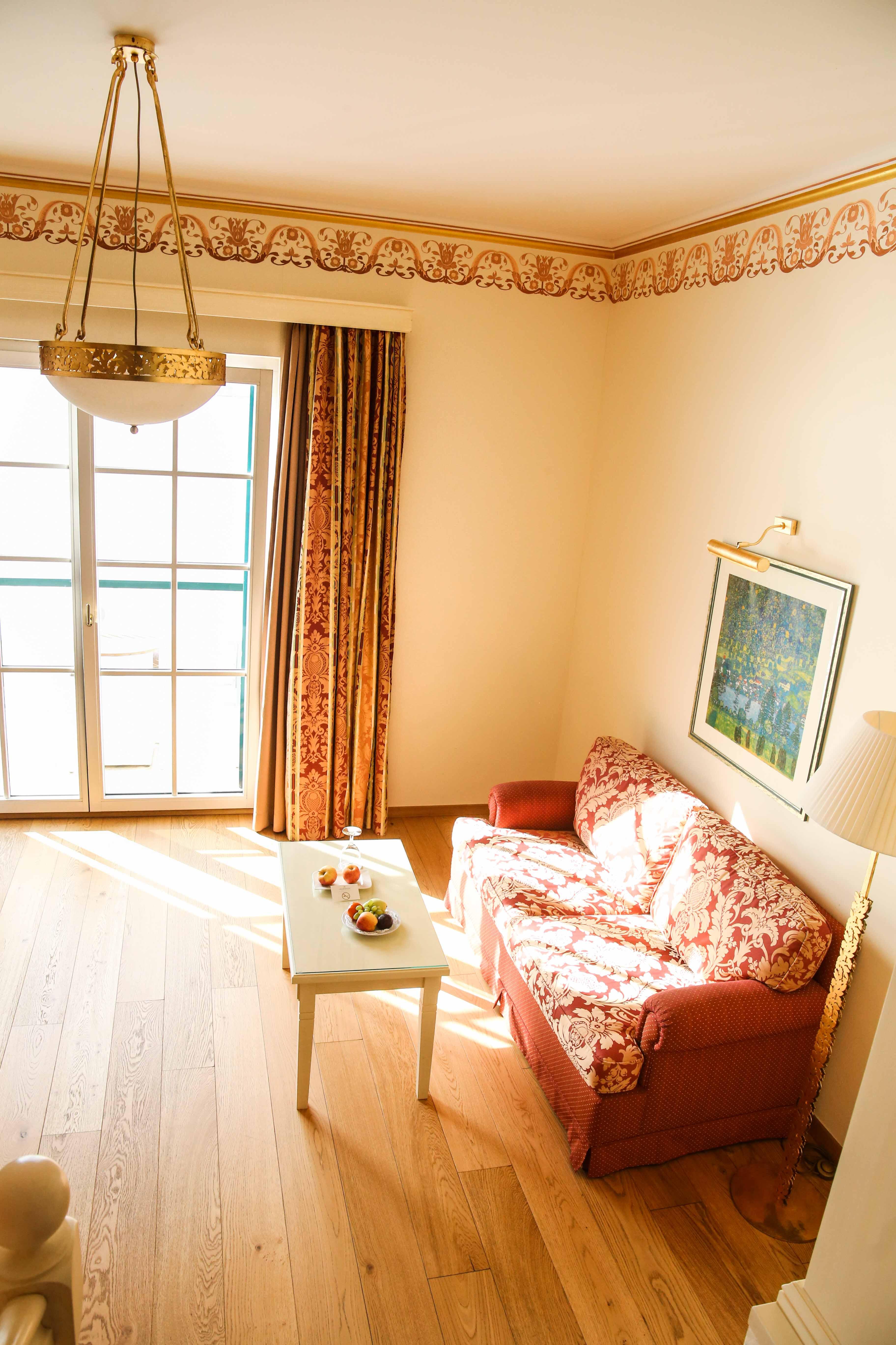 grand-hotel-zell-am-see-superior-doppelzimmer-einrichtung